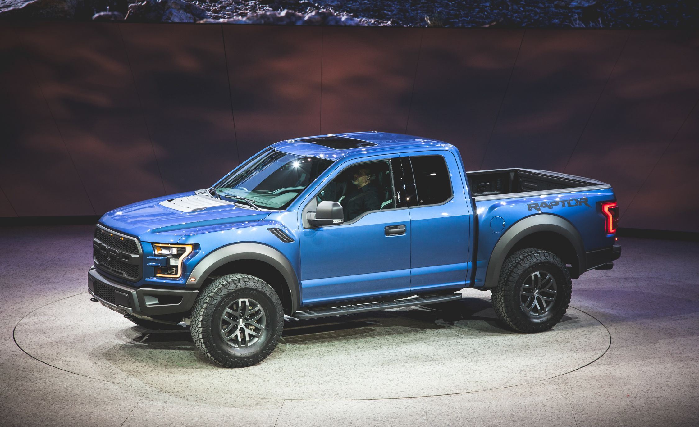 2017 Ford F150 Raptor  Photo Gallery  Car and Driver