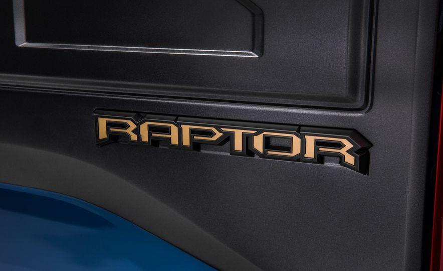 2017 Ford F-150 Raptor - Slide 7