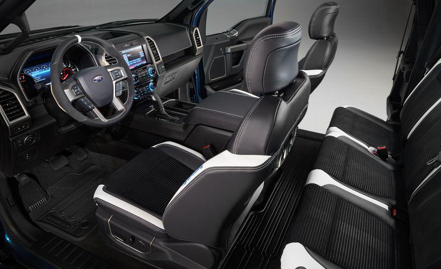 2017 Ford F-150 Raptor - Slide 11