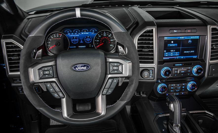 2017 Ford F-150 Raptor - Slide 12