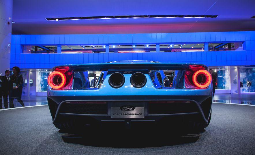 2017 Ford GT - Slide 7