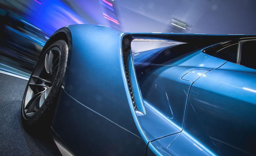2017 Ford GT - Slide 15