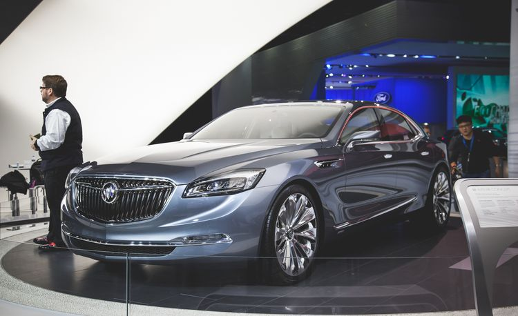 Buick Avenir Concept: A Flagship. From Buick. And It's Hot – Auto Shows