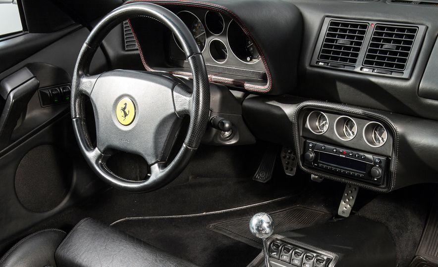 Ferrari F355 - Slide 4