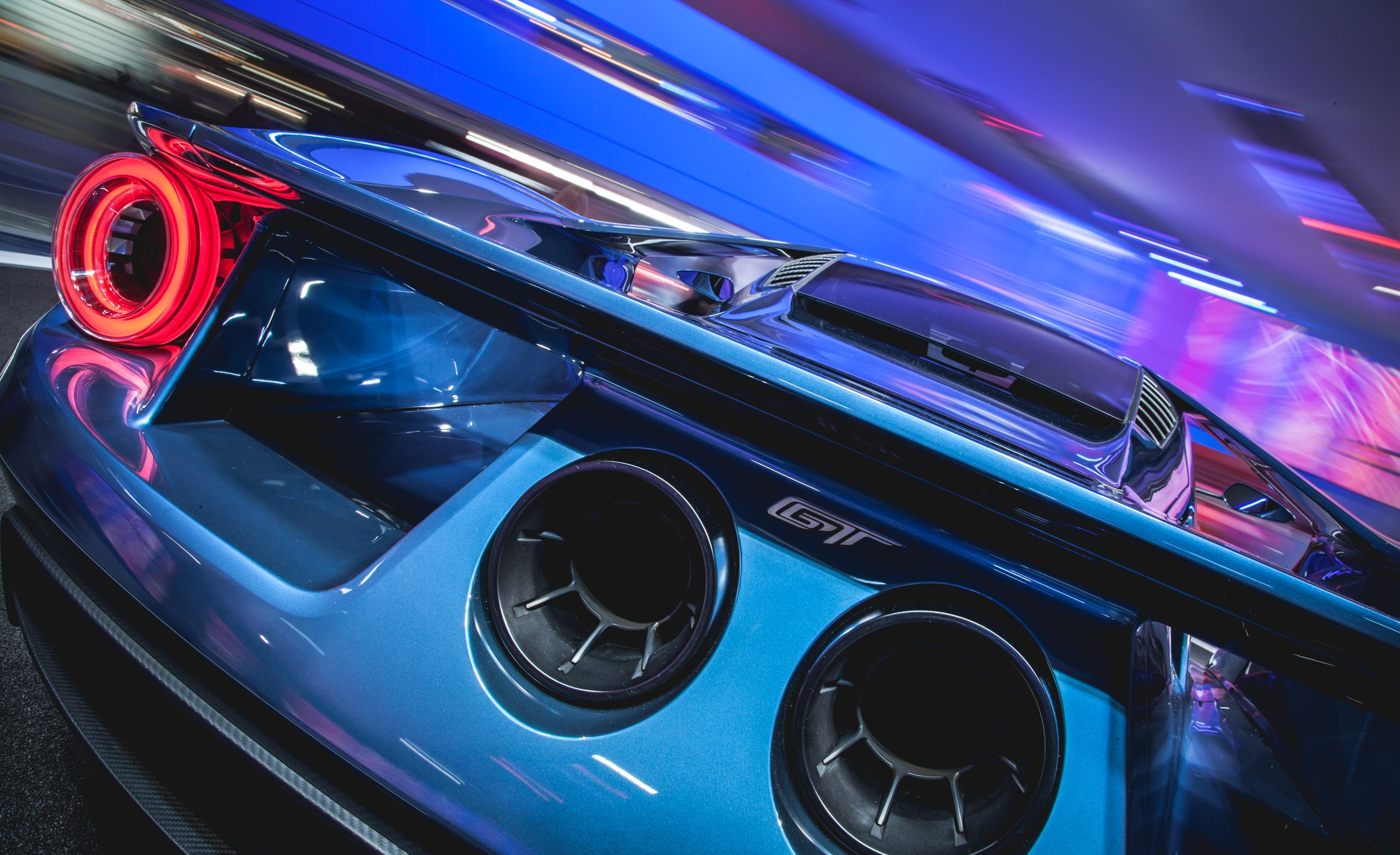 The  Things You Need To Know About The  Ford Gt Supercar Flipbook Car And Driver