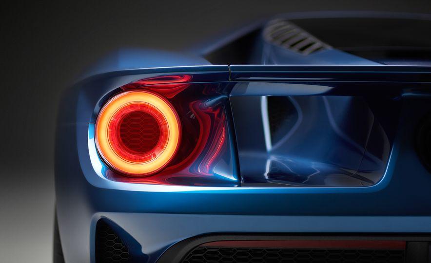 2017 Ford GT - Slide 31