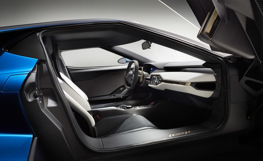 2017 Ford GT - Slide 32