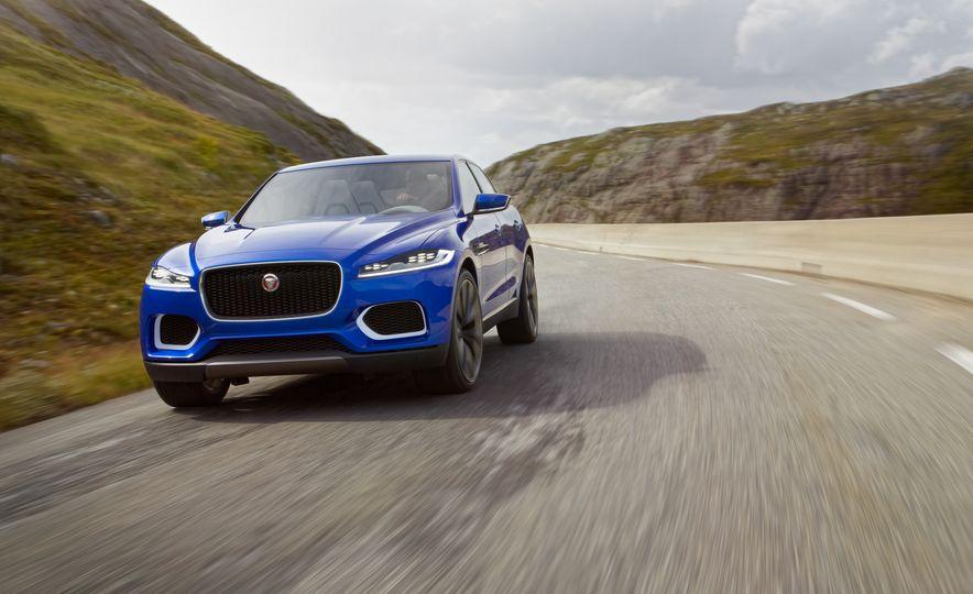 2017 Jaguar F-pace (spy photo) - Slide 19