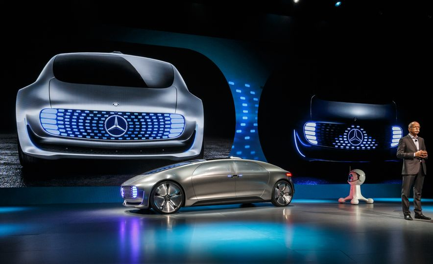 Mercedes-Benz F 015 Luxury in Motion concept - Slide 8