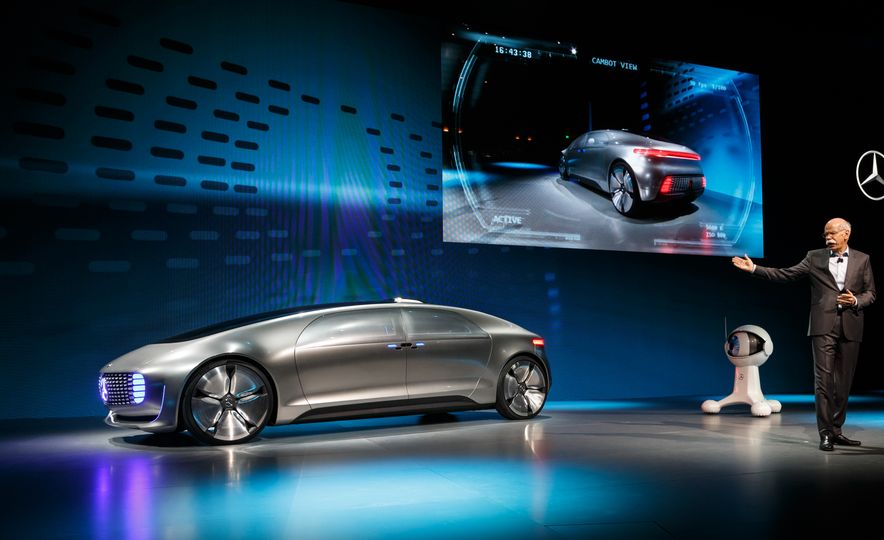 Mercedes-Benz F 015 Luxury in Motion concept - Slide 9