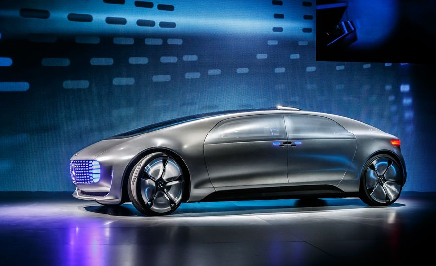 Mercedes-Benz F 015 Luxury in Motion concept - Slide 10