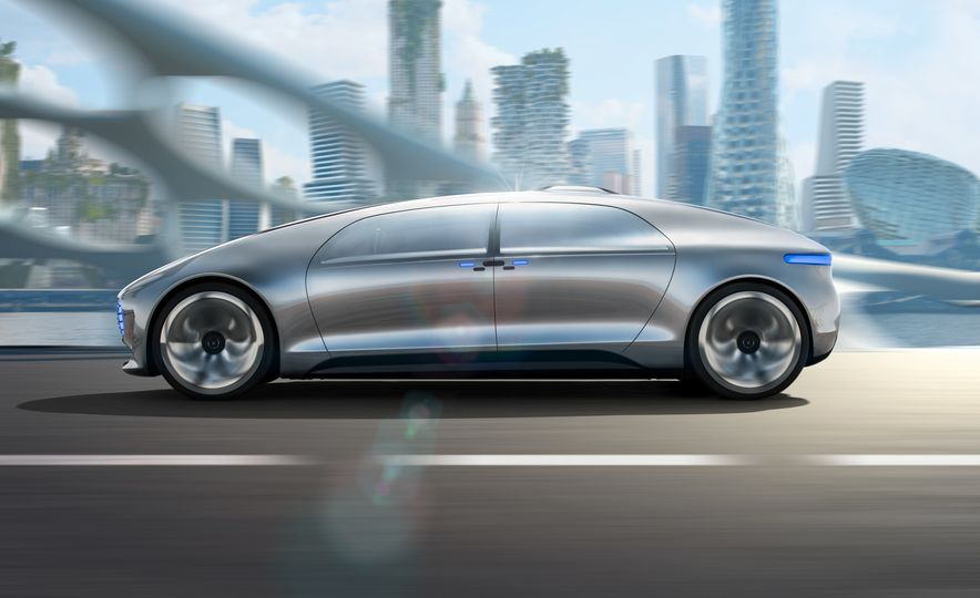 Mercedes-Benz F 015 Luxury in Motion concept - Slide 13