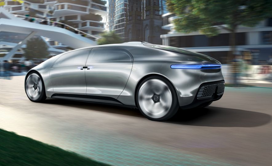 Mercedes-Benz F 015 Luxury in Motion concept - Slide 14