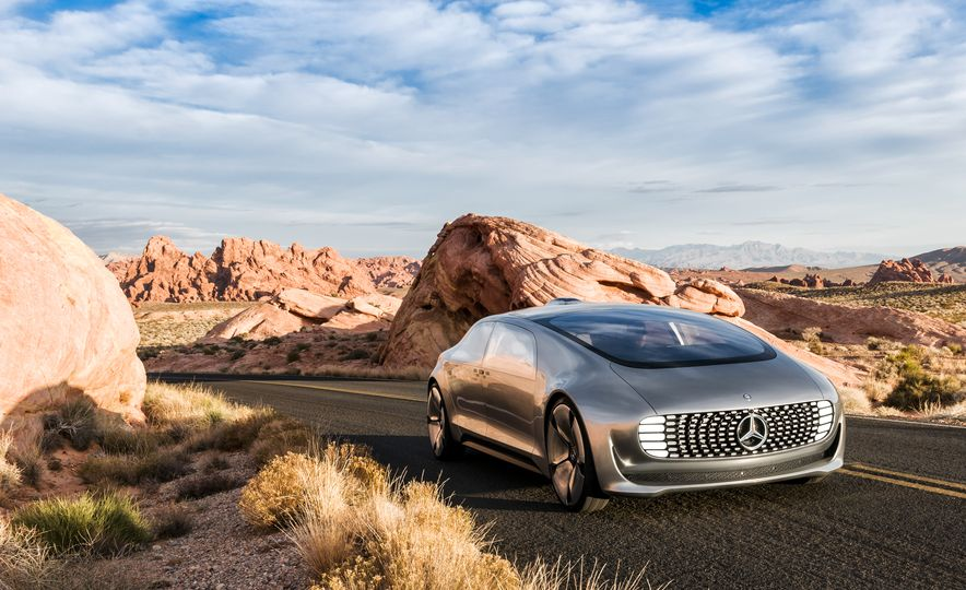 Mercedes-Benz F 015 Luxury in Motion concept - Slide 24