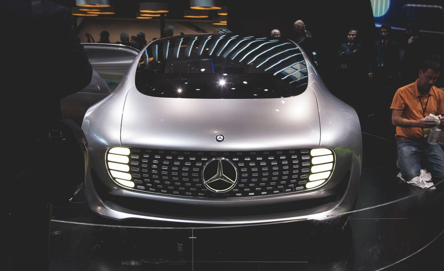 Mercedes-Benz F 015 Luxury in Motion concept - Slide 3