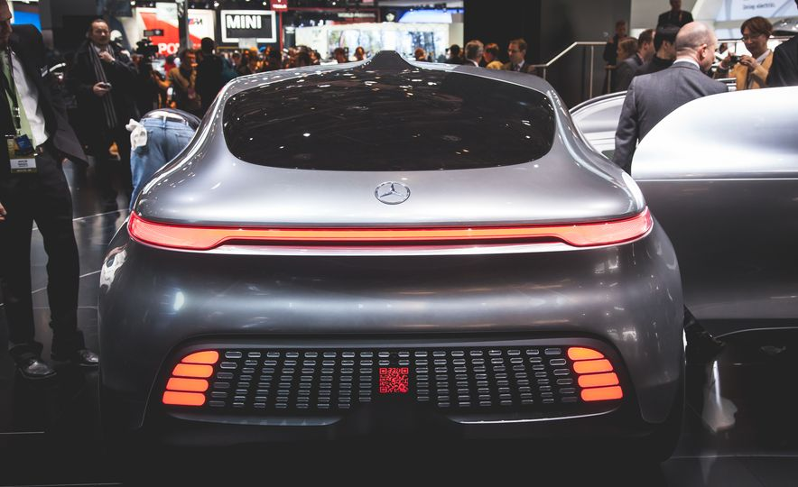 Mercedes-Benz F 015 Luxury in Motion concept - Slide 5