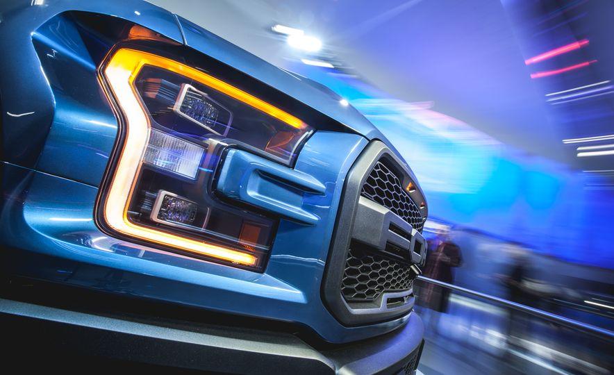2017 Ford F-150 Raptor - Slide 1