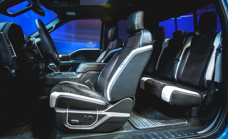 2017 Ford F-150 Raptor - Slide 13