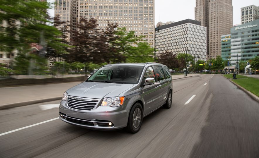 2014 Chrysler Town & Country 30th Anniversary Edition - Slide 1