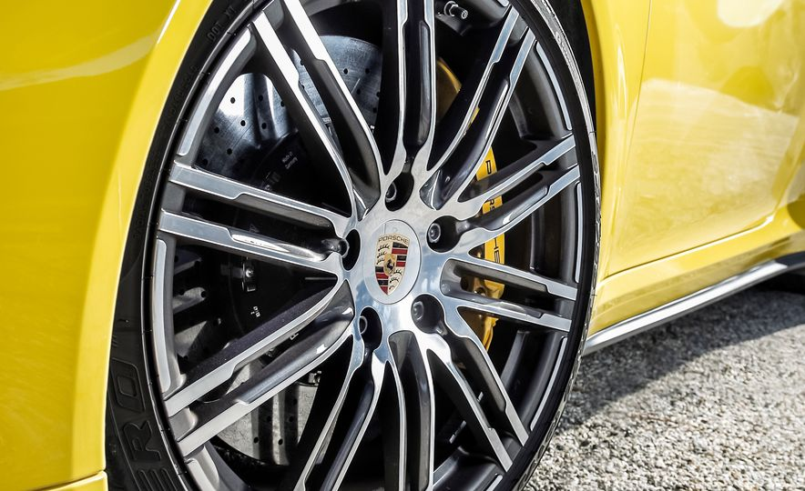 2014 Porsche 911 Turbo S, 2015 Nissan GT-R NISMO, and 2015 Chevrolet Corvette Z06 - Slide 43