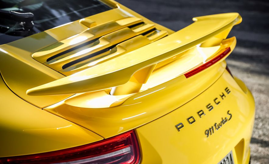 2014 Porsche 911 Turbo S, 2015 Nissan GT-R NISMO, and 2015 Chevrolet Corvette Z06 - Slide 44