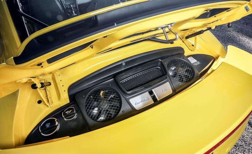 2014 Porsche 911 Turbo S, 2015 Nissan GT-R NISMO, and 2015 Chevrolet Corvette Z06 - Slide 45