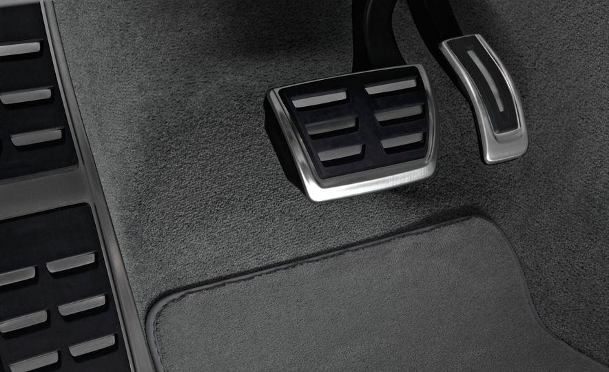 2015 Audi S8 - Slide 14