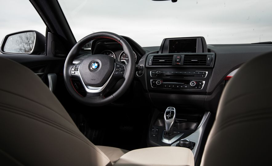 2015 BMW 228i xDrive - Slide 25