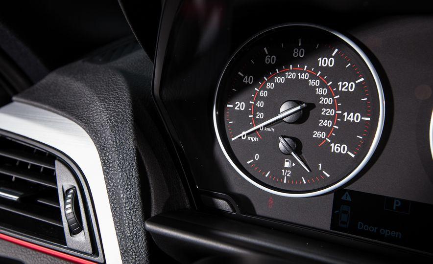2015 BMW 228i xDrive - Slide 33