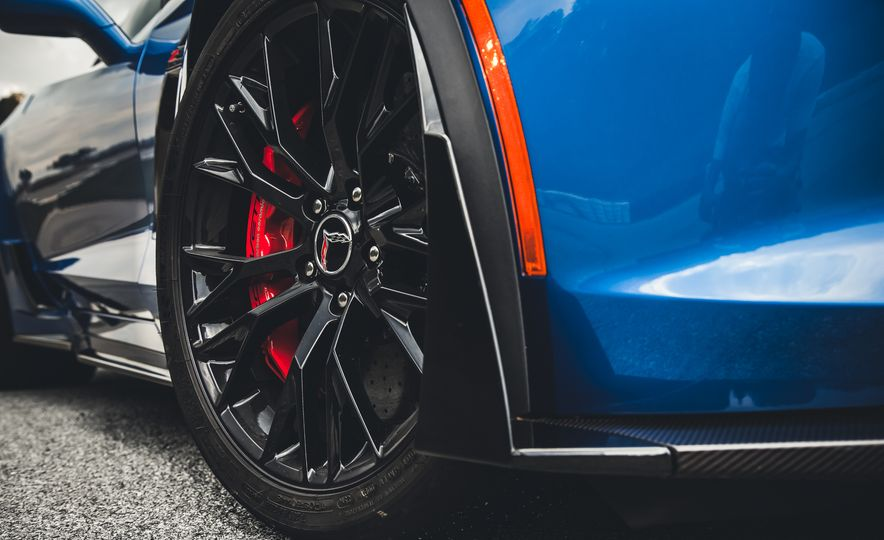 2015 Chevrolet Corvette Z06 - Slide 13