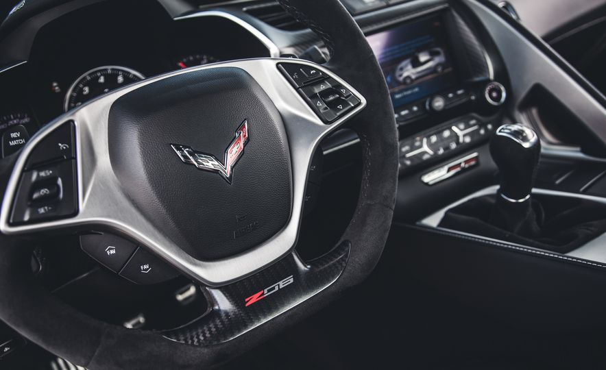 2015 Chevrolet Corvette Z06 - Slide 22