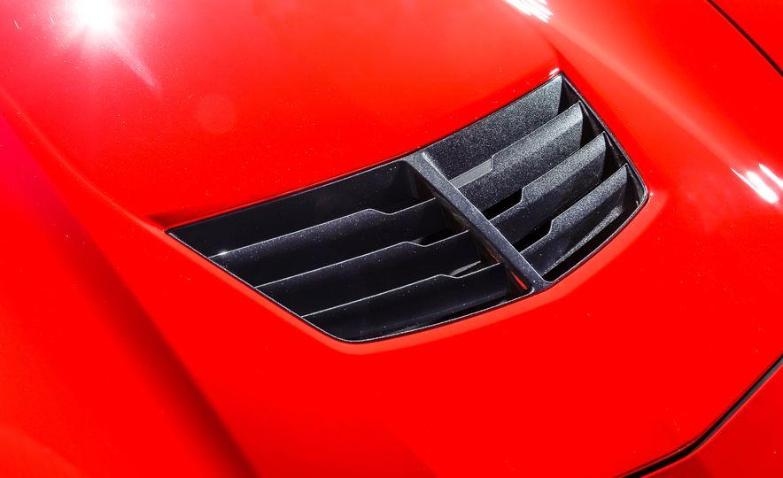 2014 Porsche 911 Turbo S, 2015 Nissan GT-R NISMO, and 2015 Chevrolet Corvette Z06 - Slide 70