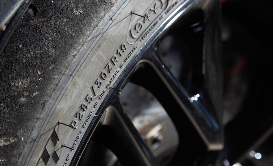 2014 Porsche 911 Turbo S, 2015 Nissan GT-R NISMO, and 2015 Chevrolet Corvette Z06 - Slide 76