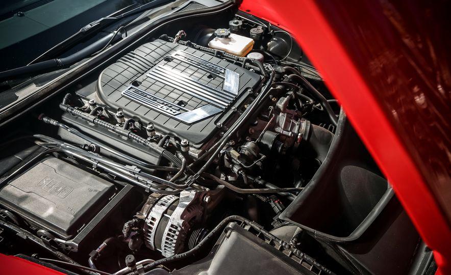 2014 Porsche 911 Turbo S, 2015 Nissan GT-R NISMO, and 2015 Chevrolet Corvette Z06 - Slide 84