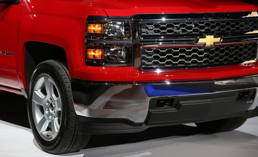 2015 Chevrolet Silverado 1500 Custom Edition - Slide 8