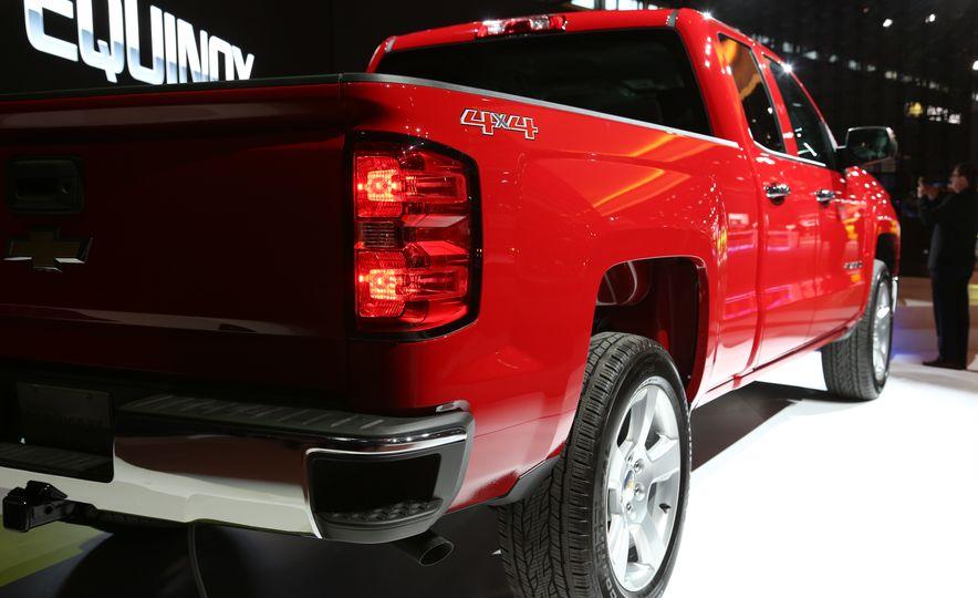 2015 Chevrolet Silverado 1500 Custom Edition - Slide 12