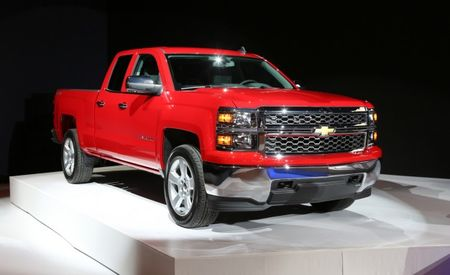 Chevy Keeps It Simple with New 2015 Silverado 1500 Custom