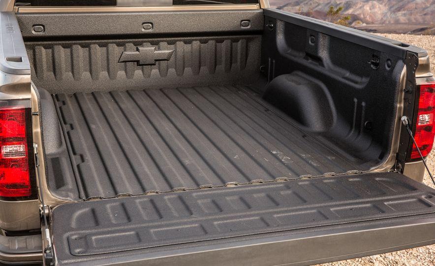 2015 Chevrolet Silverado 1500 Custom Edition - Slide 24