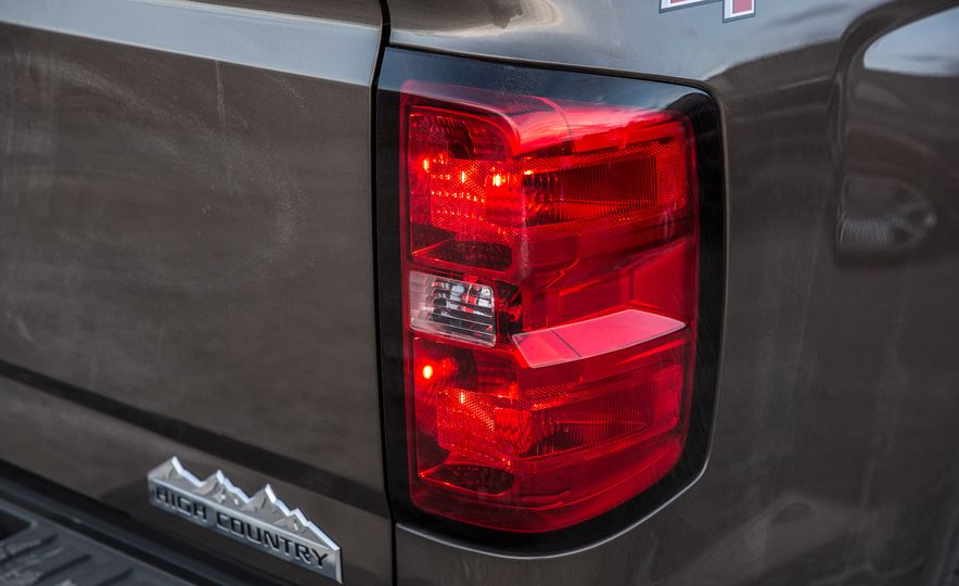 2015 Chevrolet Silverado 1500 Custom Edition - Slide 29