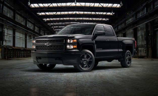 2017 Chevrolet Silverado Wt Black Out Package