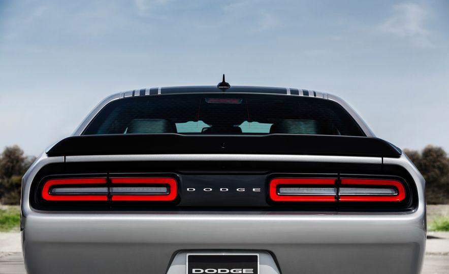2015 Dodge Challenger R/T 392 Scat Pack Shaker, 1971 Dodge Challenger R/T Shaker, and 2015 Dodge Challenger R/T Shaker - Slide 23
