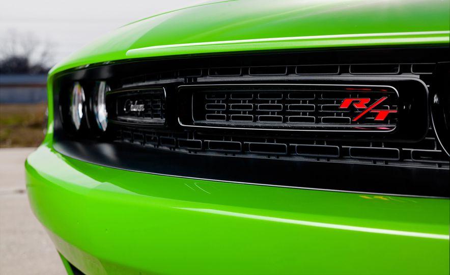 2015 Dodge Challenger R/T 392 Scat Pack Shaker, 1971 Dodge Challenger R/T Shaker, and 2015 Dodge Challenger R/T Shaker - Slide 45