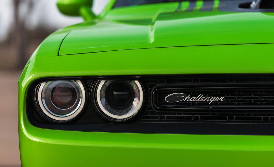 2015 Dodge Challenger R/T 392 Scat Pack Shaker, 1971 Dodge Challenger R/T Shaker, and 2015 Dodge Challenger R/T Shaker - Slide 46
