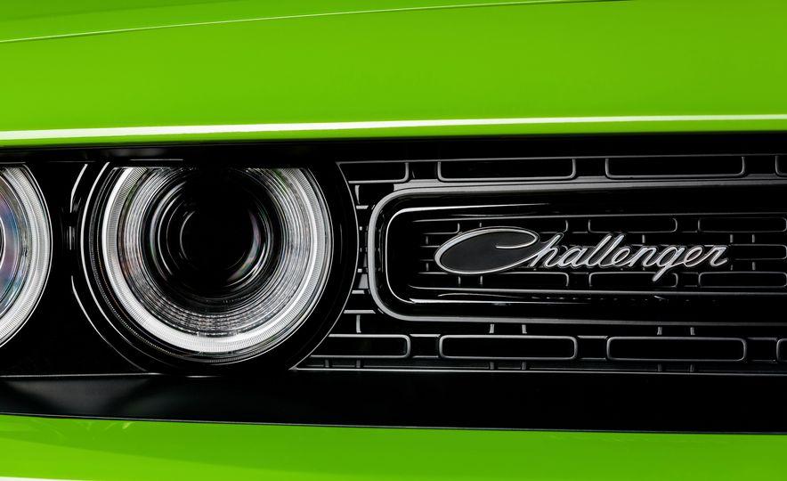 2015 Dodge Challenger R/T 392 Scat Pack Shaker, 1971 Dodge Challenger R/T Shaker, and 2015 Dodge Challenger R/T Shaker - Slide 48