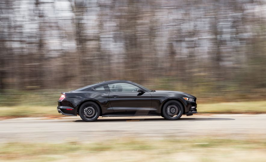 2015 Ford Mustang 2.3L EcoBoost - Slide 12