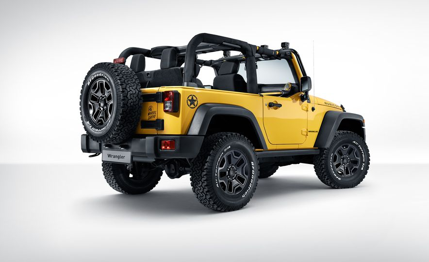 2015 Jeep Wrangler Rubicon MOPAR Rocks Star Edition - Slide 2