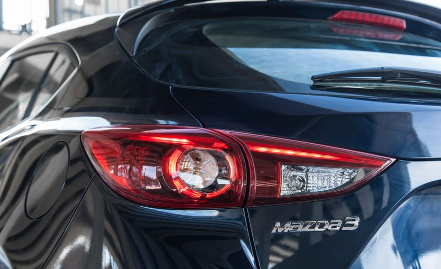 2015 Mazda 3 2.5L hatchback - Slide 70