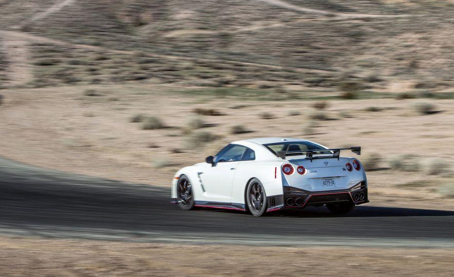 2014 Porsche 911 Turbo S, 2015 Nissan GT-R NISMO, and 2015 Chevrolet Corvette Z06 - Slide 12