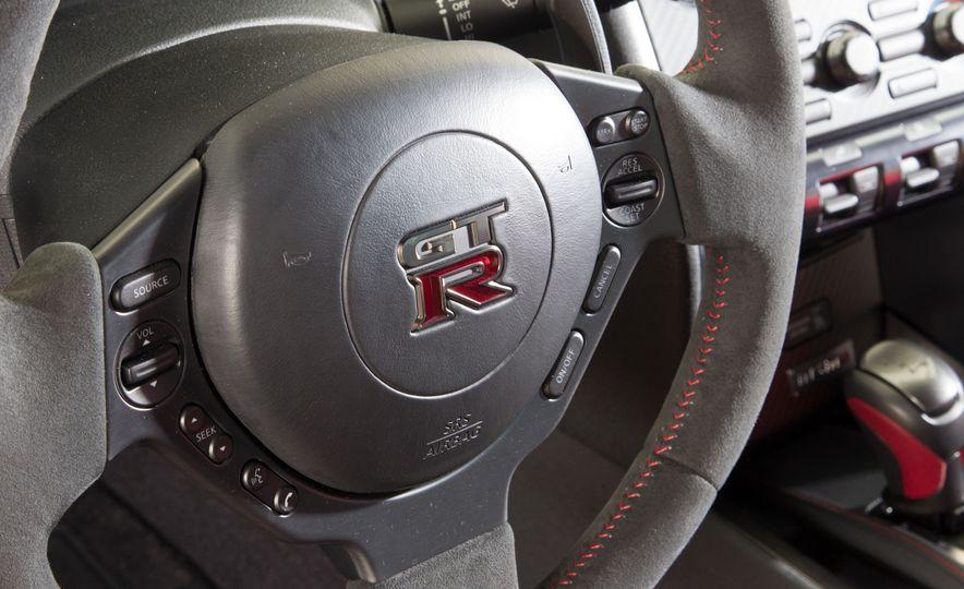 2014 Porsche 911 Turbo S, 2015 Nissan GT-R NISMO, and 2015 Chevrolet Corvette Z06 - Slide 29