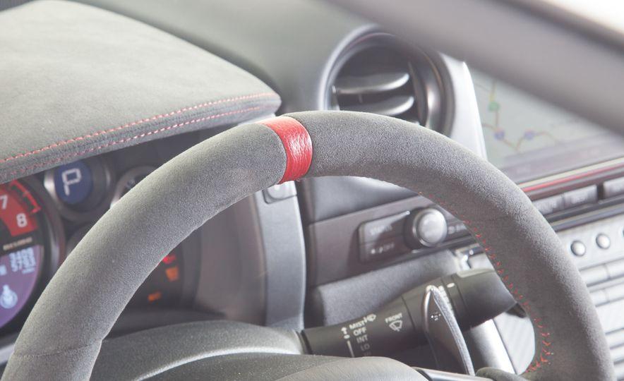 2014 Porsche 911 Turbo S, 2015 Nissan GT-R NISMO, and 2015 Chevrolet Corvette Z06 - Slide 30